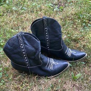 Black cowboy ankle boots 10